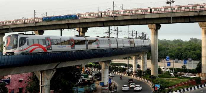 દિલ્હી Metro નું ભાડું વધ્યા પછી રોજિંદા ઘટ્યા ત્રણ લાખ યાત્રી