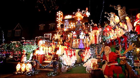 અમેરિકામાં ક્રિસમસની પૂર્વ સંધ્યાએ આતશબાજીમાં 39 દાઝયા