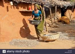 આદિવાસી મહિલાઓને સ્વનિર્ભર બનાવી દેવાઈ